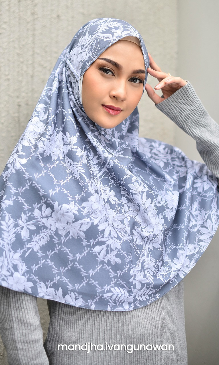 Camelia Bloom Grey