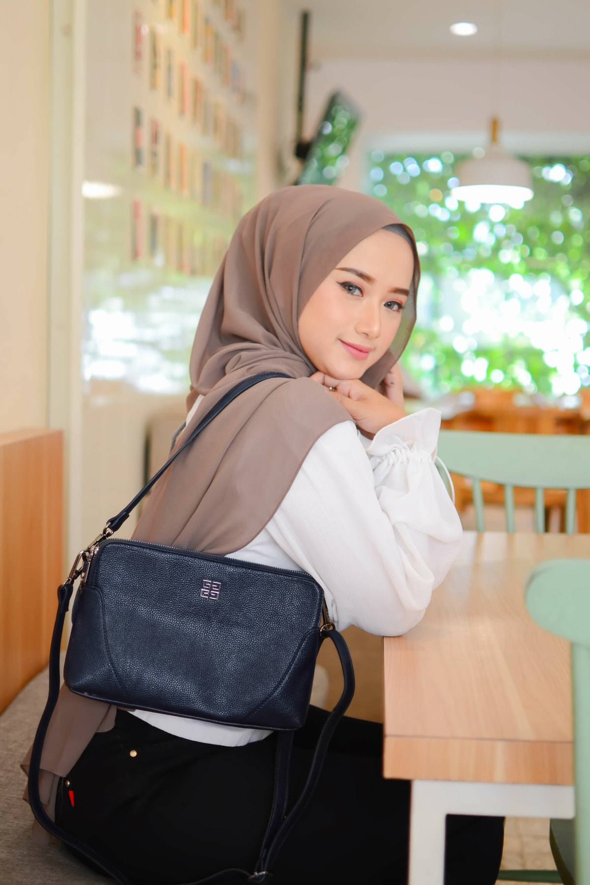 meike bag warna biru tua/ navy