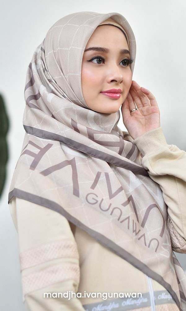 Perfect Monogram Beige Scarf