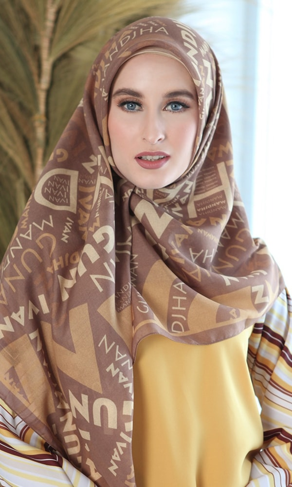 Mandjha Monogram Brown Scarf